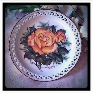 Vintage Hamilton Collection Peace Rose Plate
